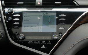 So sánh tiện nghi và an toàn Honda Accord 2020 và Toyota Camry 2020